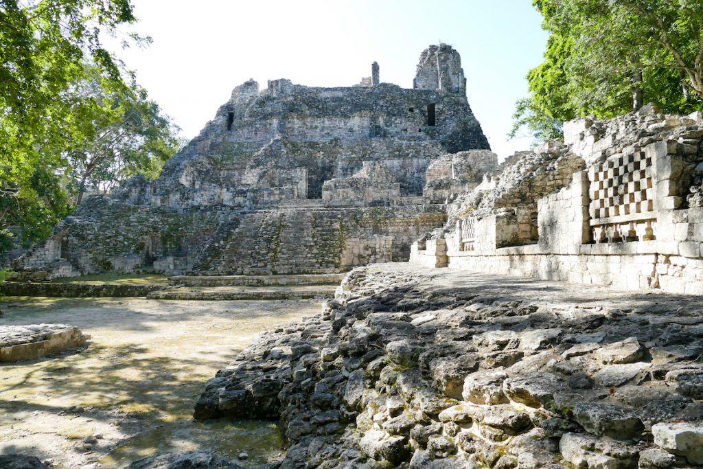 Becan, eine der nicht so bekannten Maya-Staetten