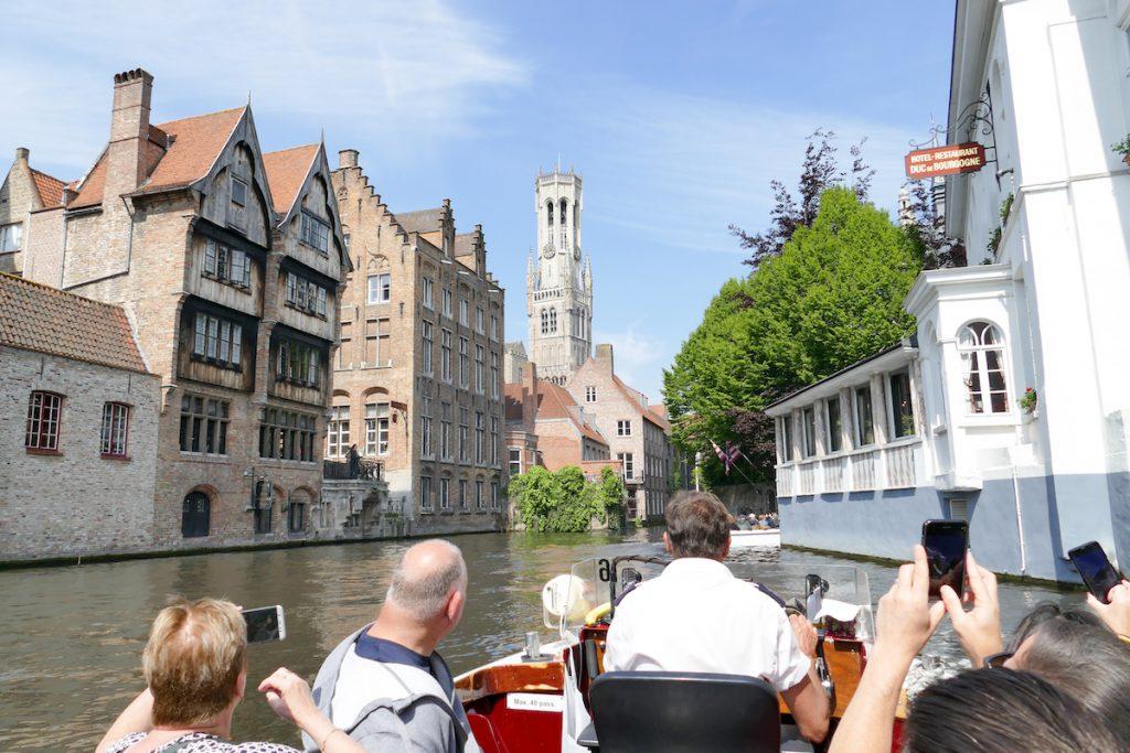 Bruegge, Stadtbesichtigung per Boot