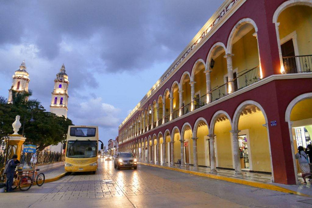 Campeche, Kathedrale am Plaza de la Independencia