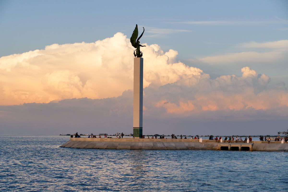 Campeche, an der Strandpromenade zum Sonnenuntergang