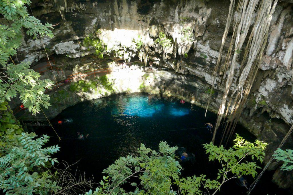 Cenote Oxman, der Blick in die Cenote ist umwerfend
