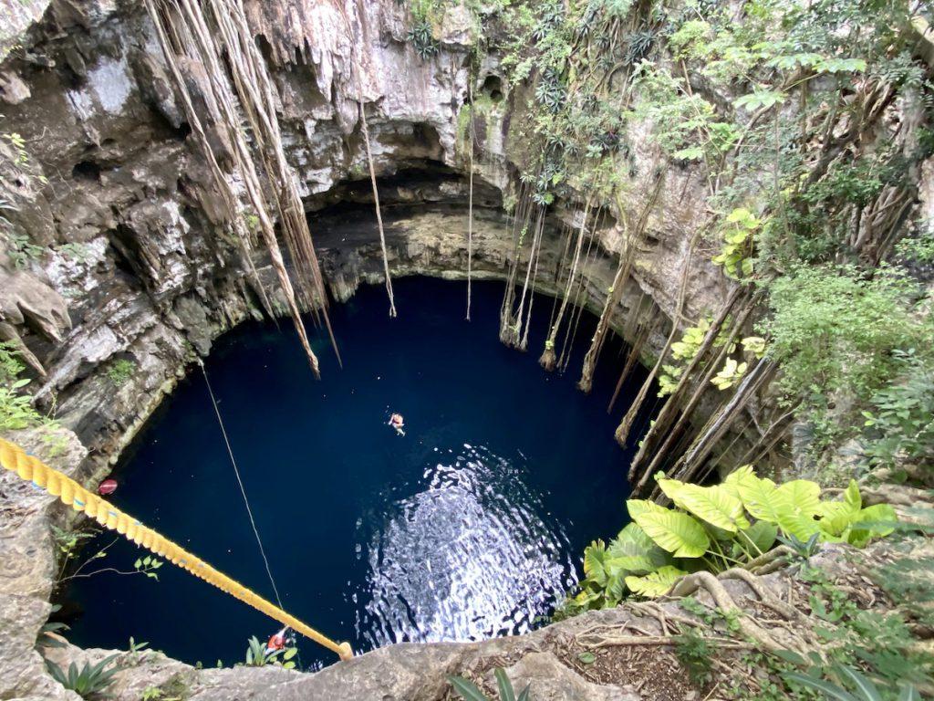 Cenote Oxman, was fuer ein Blick hinein in die Cenote