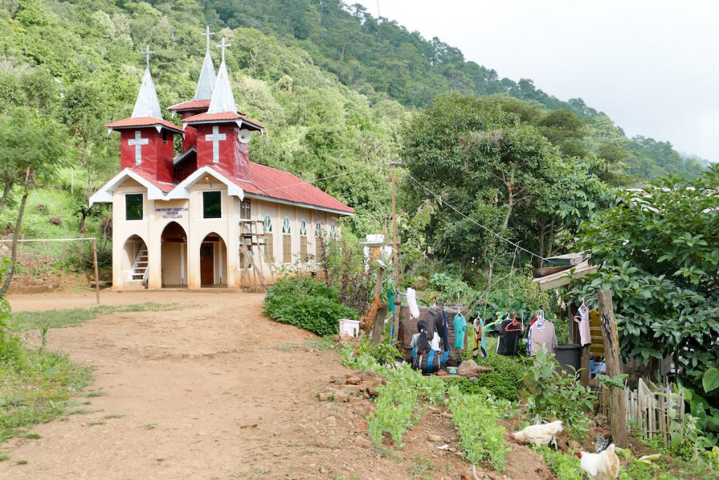 Chin State, Wanderung Tag 1, im Dorf Hpwi