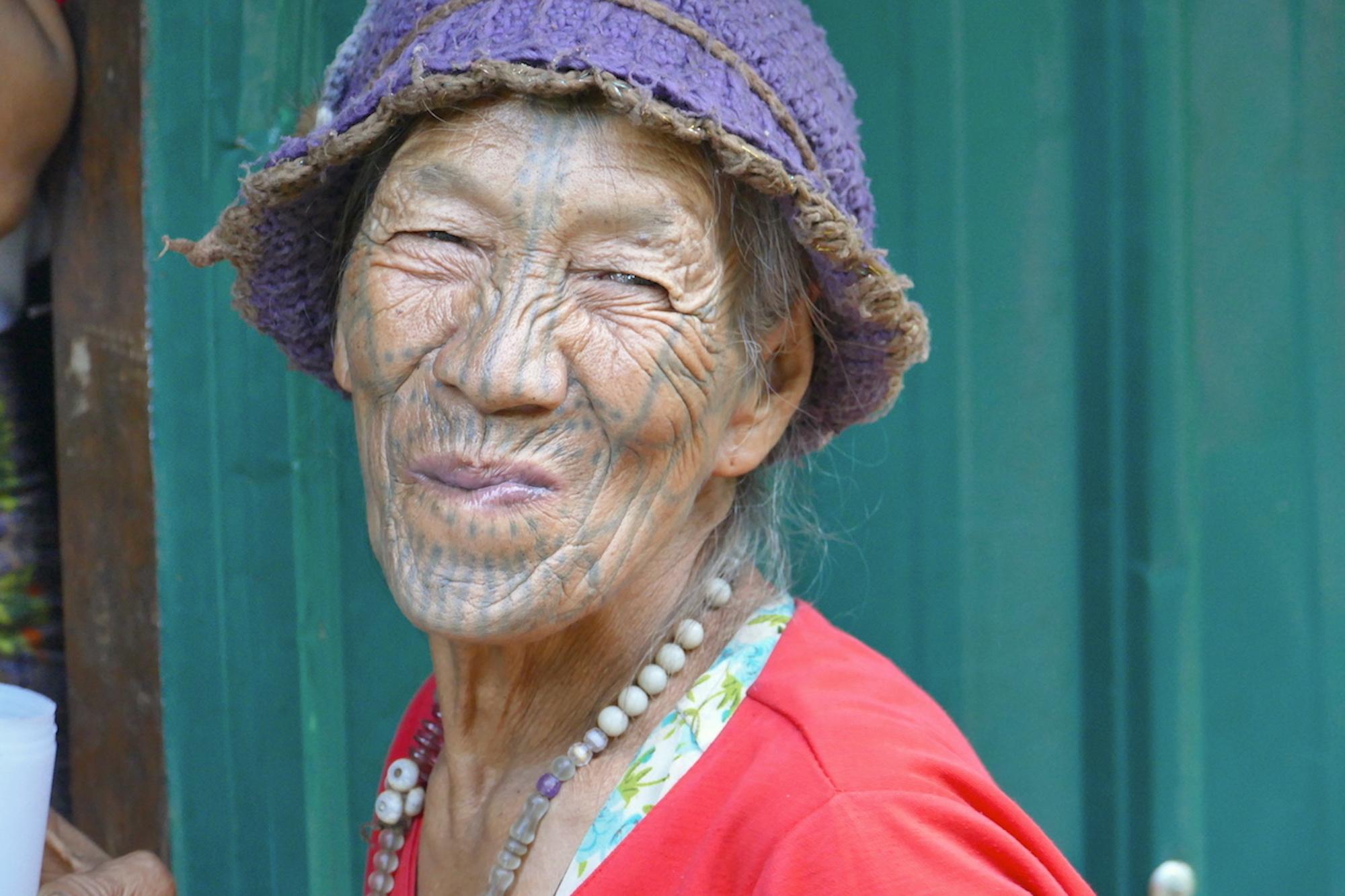 Chin State, Wanderung Tag 2, es wird wieder viel Hirsewein getrunken
