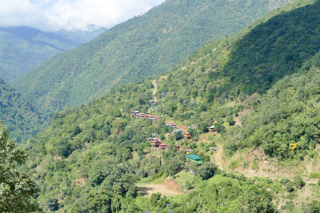 Chin State, Wanderung Tag 3, weit verstraeute Doerfer