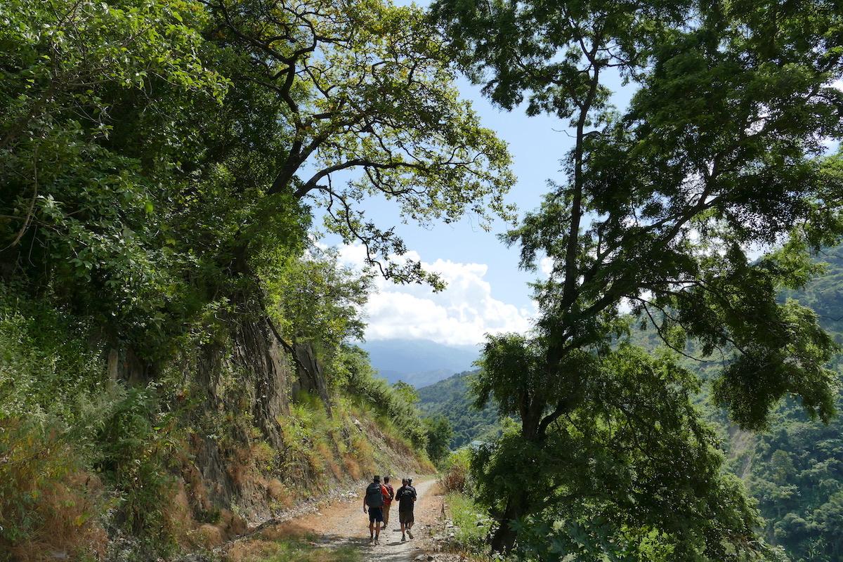 Chin State, Wanderung Tag 2, wir verkuerzen den Weg