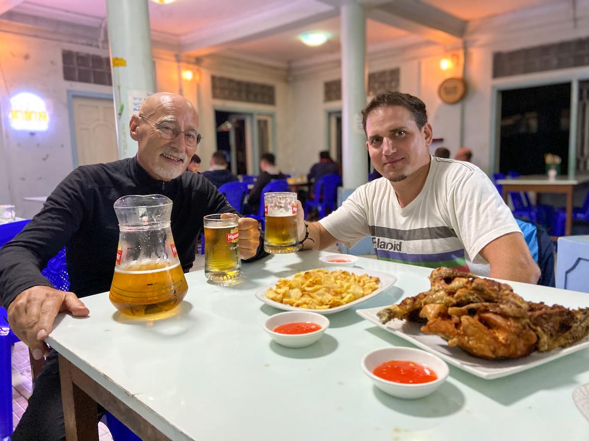 Chin State, Wanderung Tag 3, Festessen mit Stephan