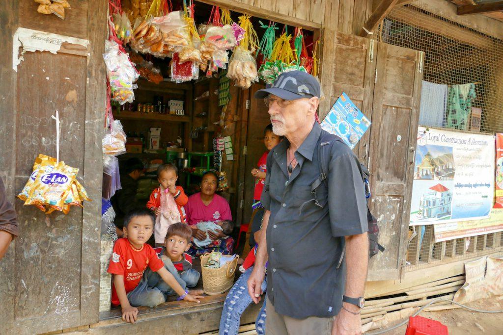 Chin State, Wanderung Tag 3, Selbstversuch Betelkauen