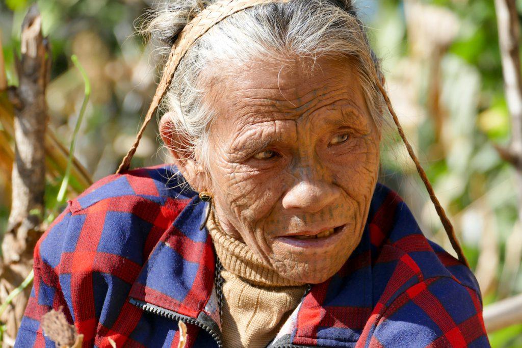 Chin State, Wanderung Tag 3, hier wird bis ins hohe Alter gearbeitet