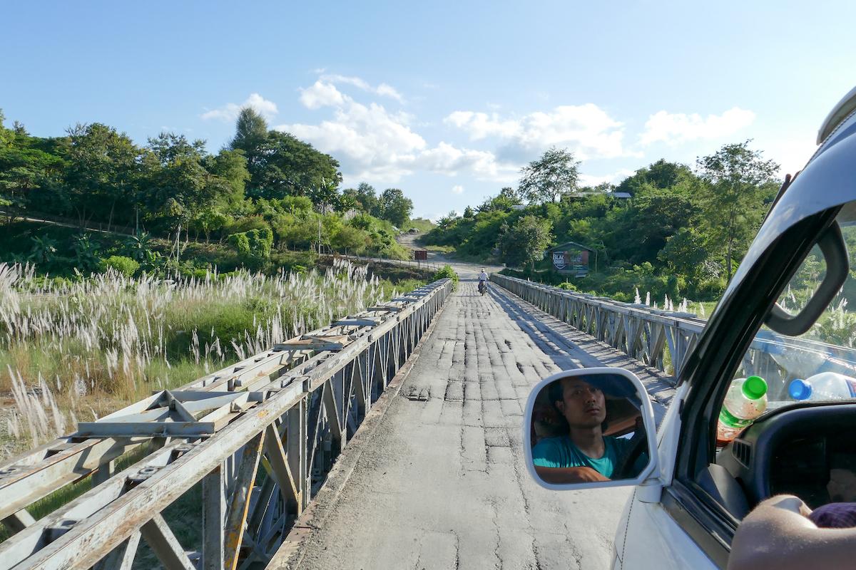 Chin State, abenteuerliche Bruecke auf dem Weg nach Mindat