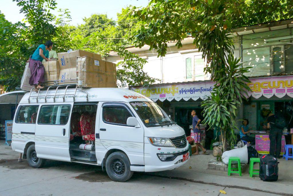 Chin State, per Minivan von Mandalay nach Mindat