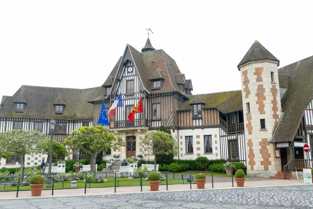 Deauville, Rathaus