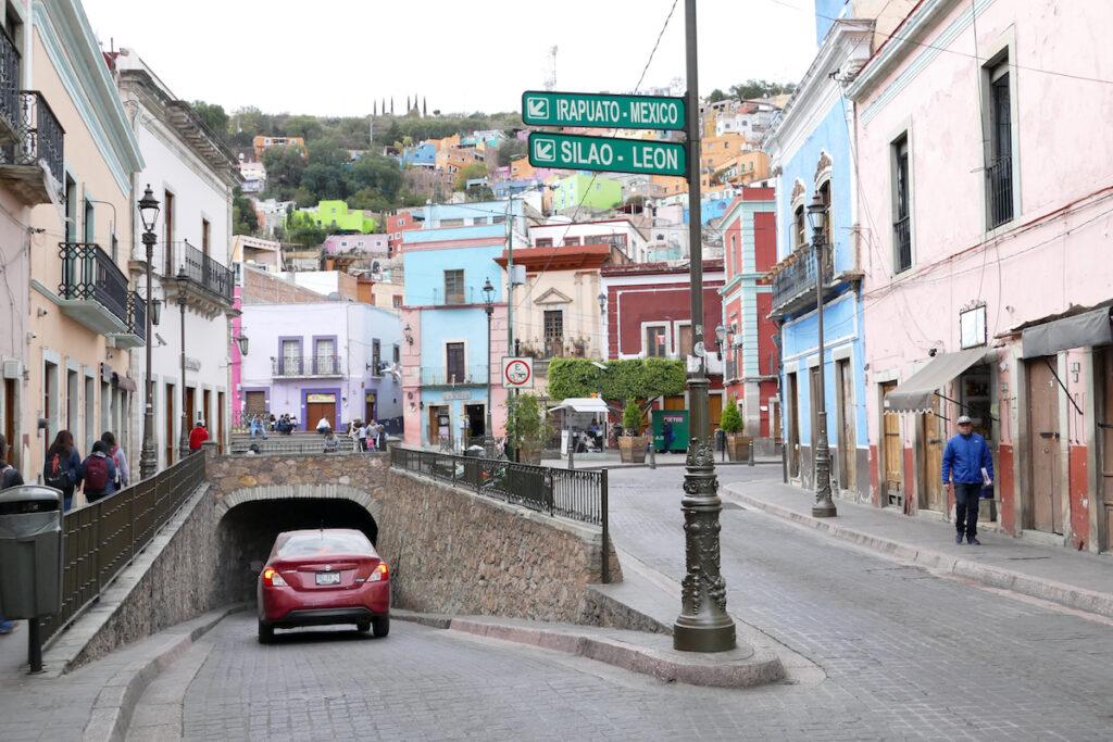 Guanajuato, Tunnelzufahrt