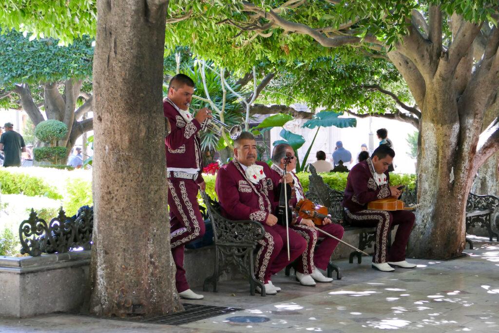 Guanajuato, Zentrum, natuerlich duerfen hier die Mariachis nicht fehlen