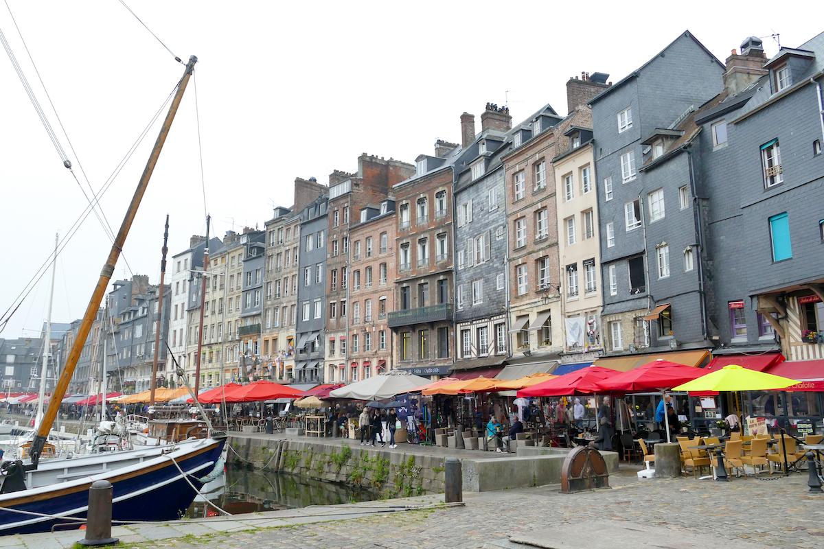 Honfleur, die schonen alten Haeuser der Altstadt