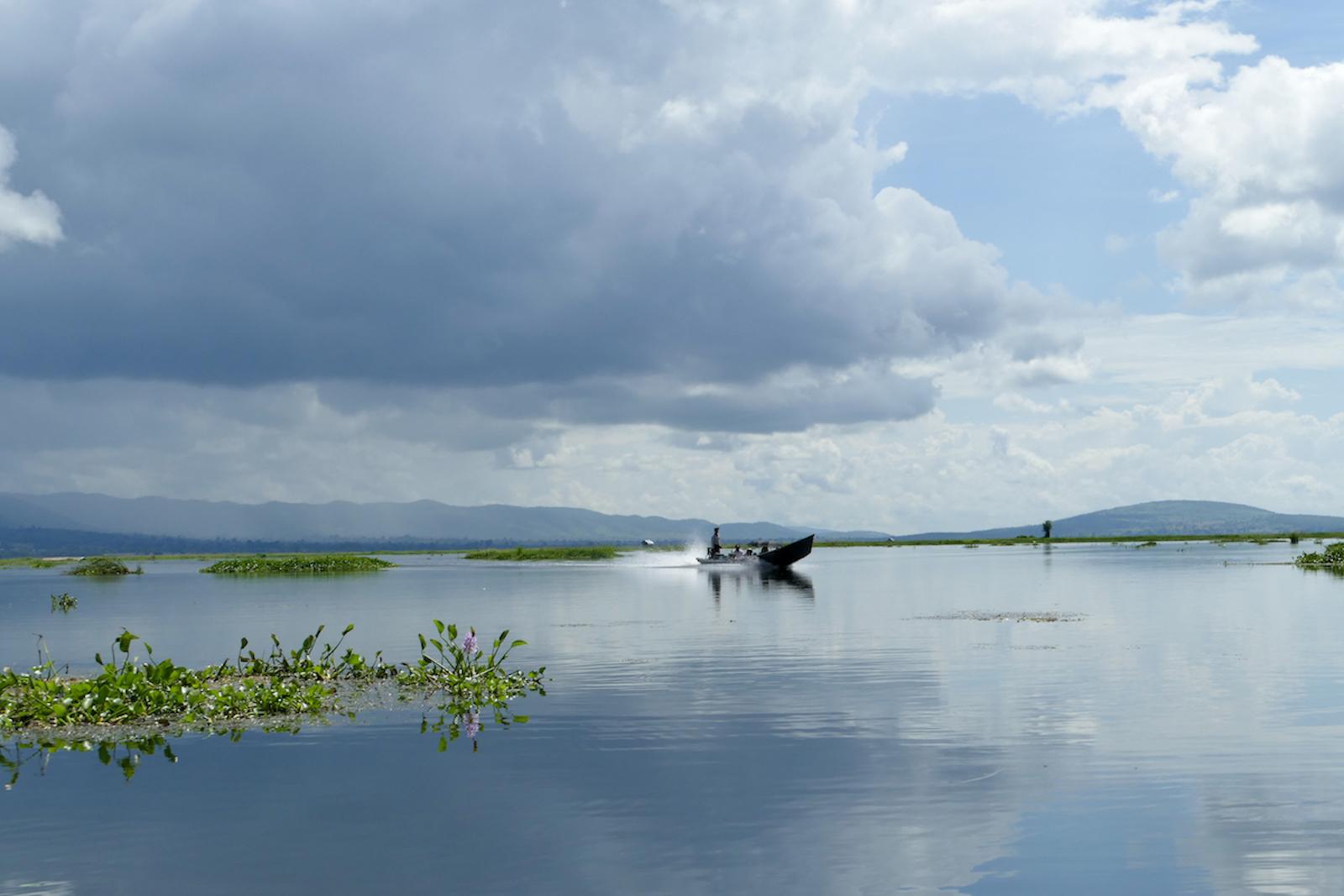 Inle Lake, Speedboat