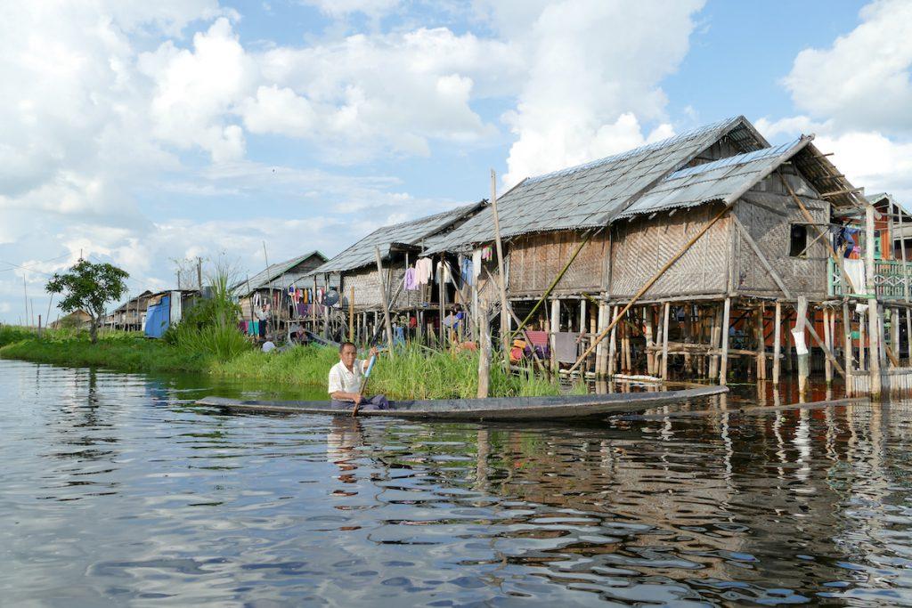 Inle Lake, hier sind die Doerfer in den See gebaut