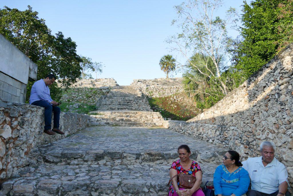 Izamal, Kinich Kakmo Pyramide, Eingang ohne Kassenhaus