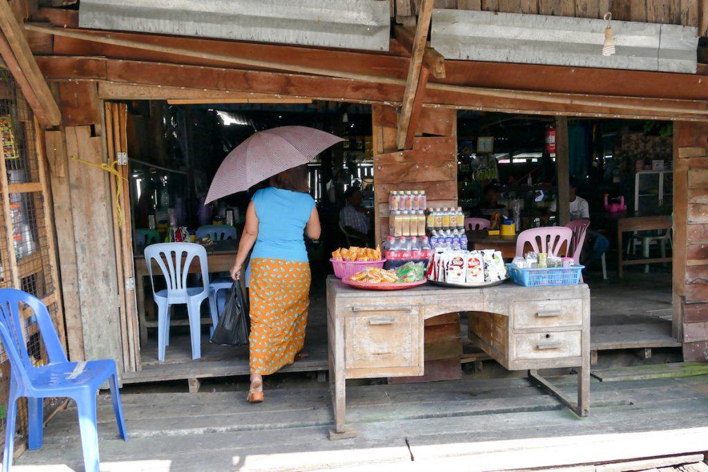 Kawthaung, Leben im Hafenviertel