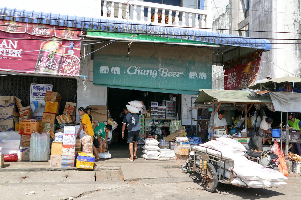 Kawthaung, am Hafen