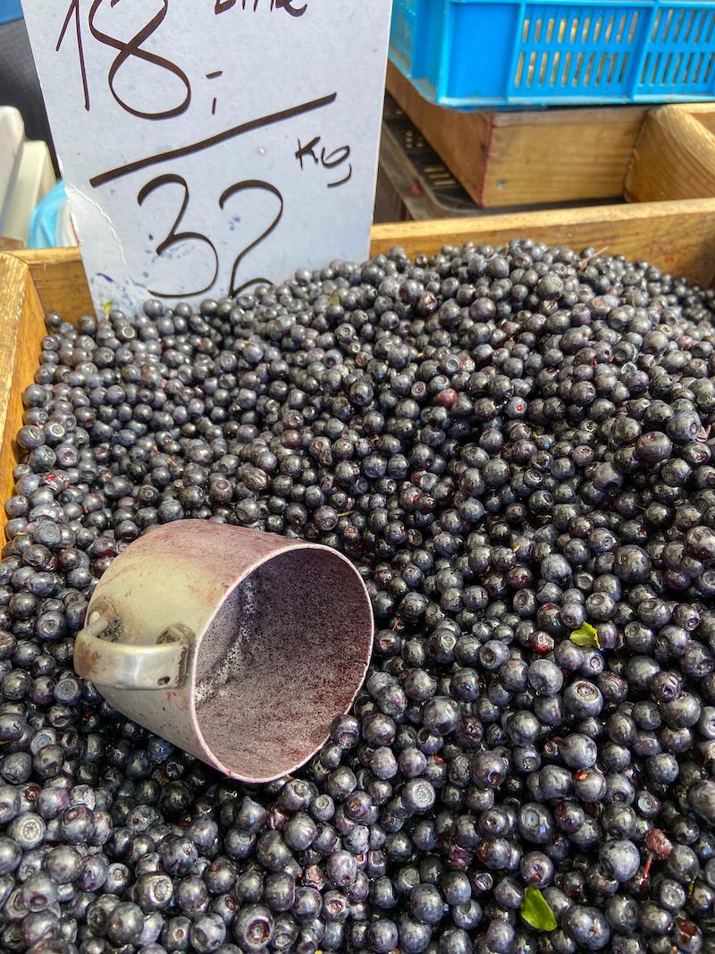Krakau, Kleparz-Markt, leckere Heidelbeeren
