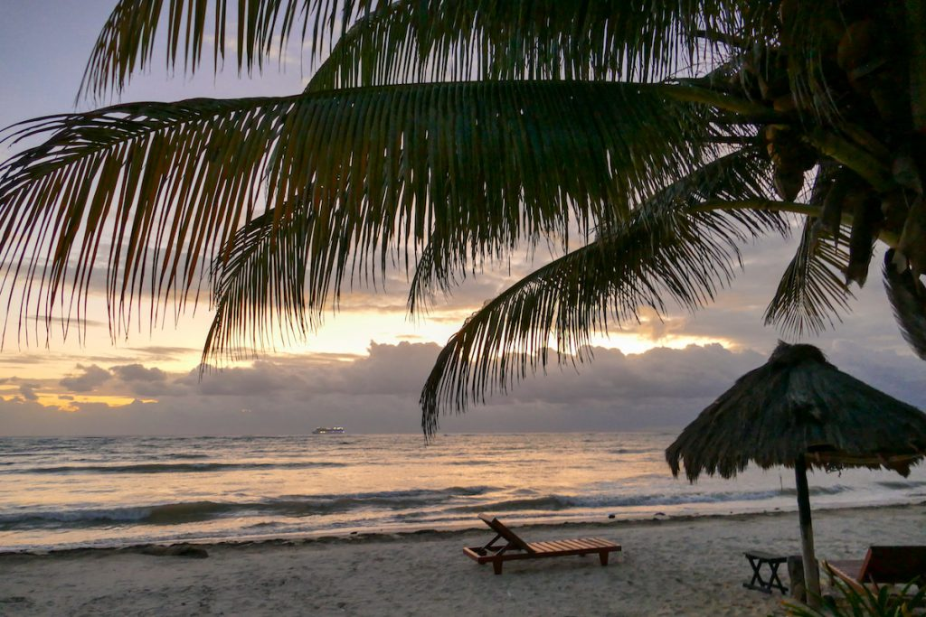 Mahahual, Strandidylle zum Sonnenaufgang