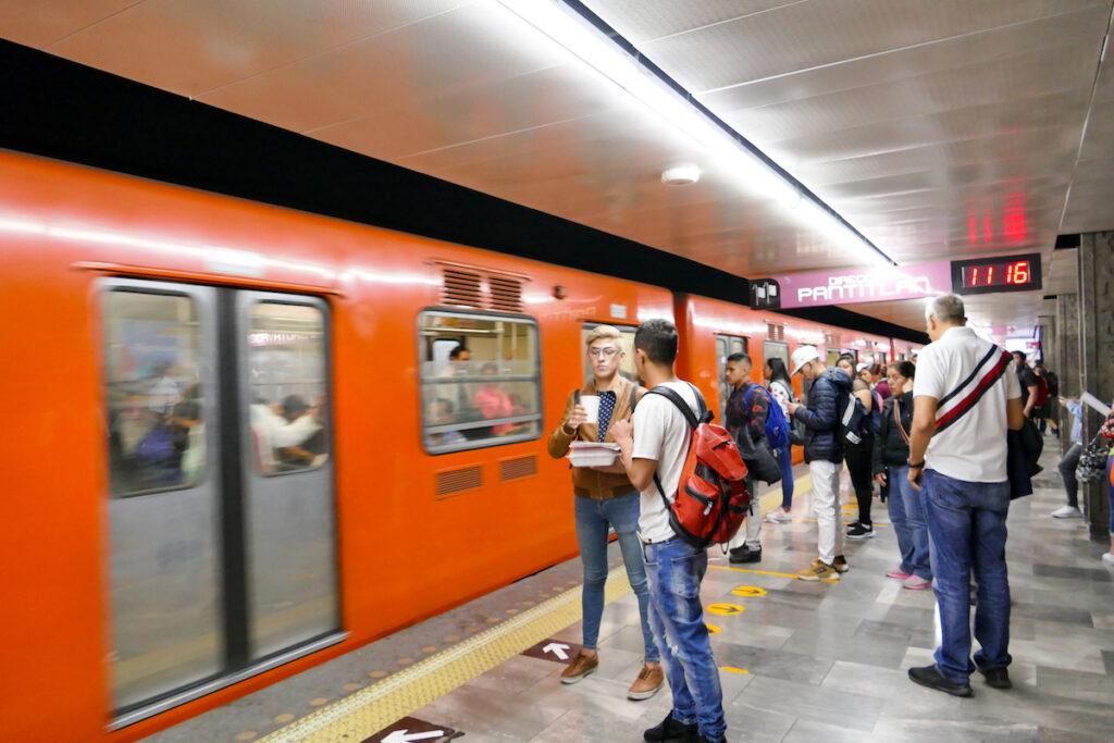 Mexico City, Metrofahren guenstig und einfach