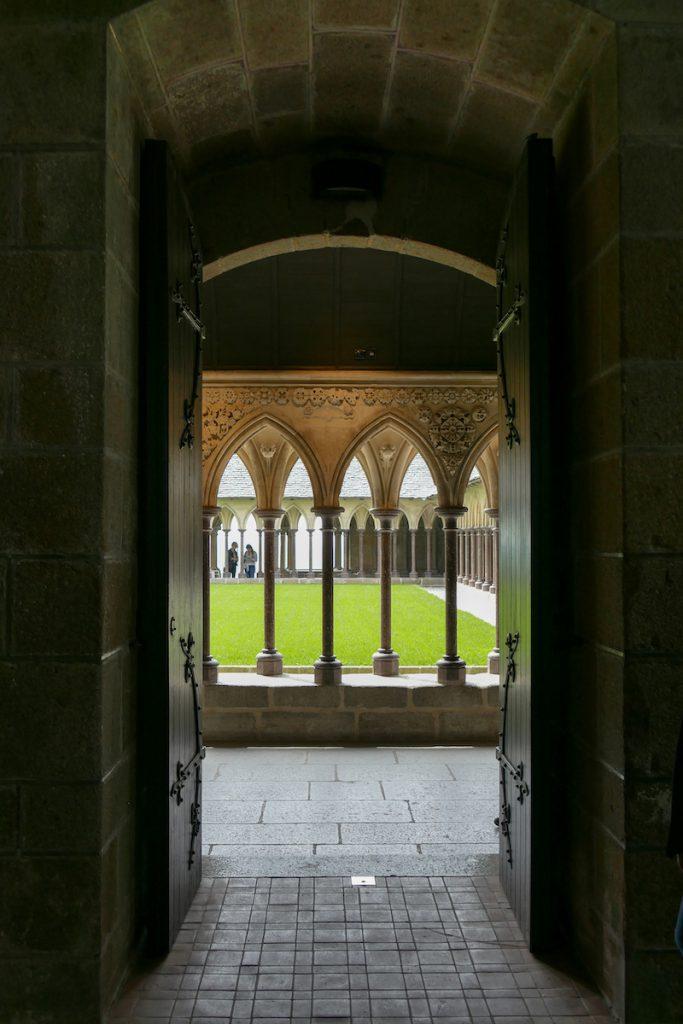 Mont Saint Michel, Abteikirche, Durchblick