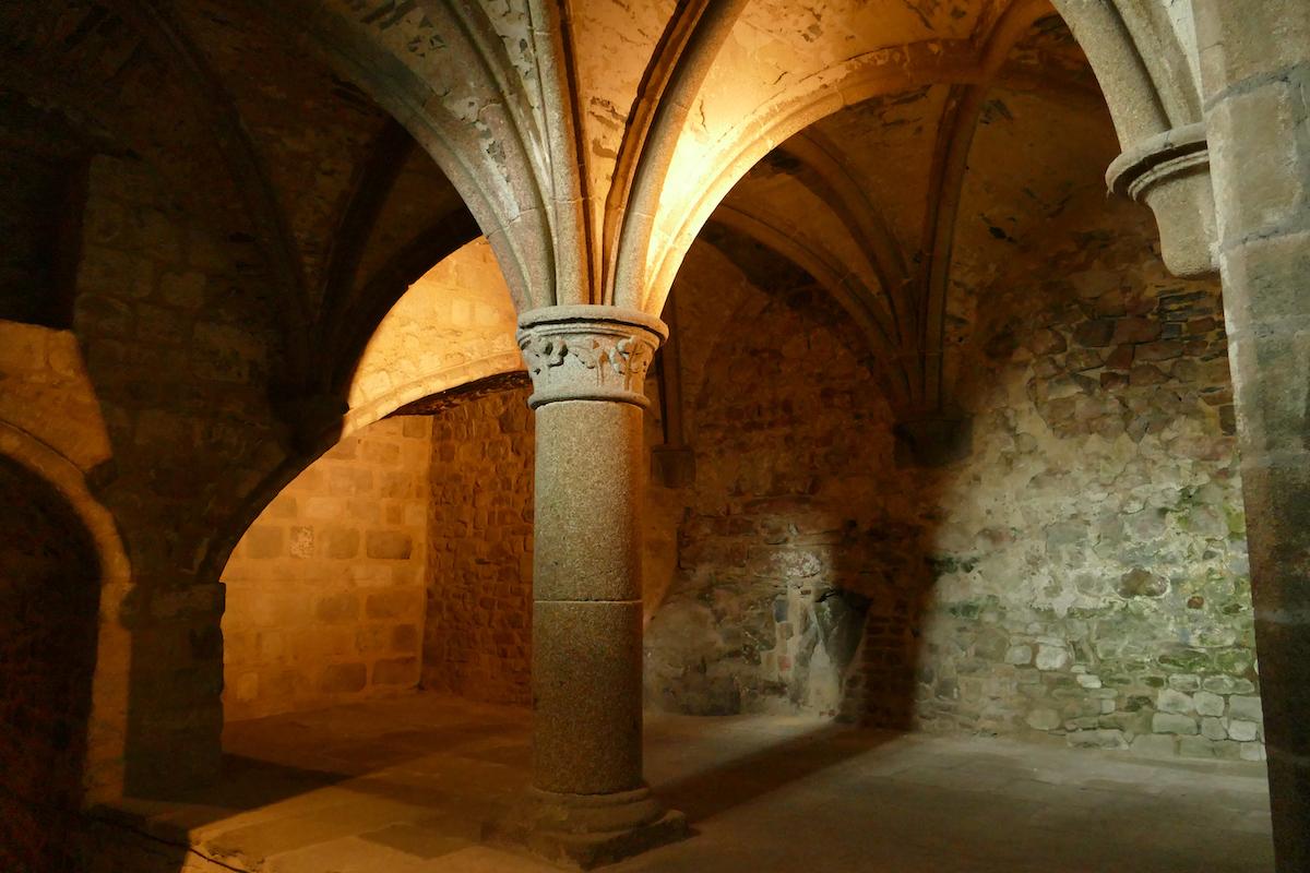 Mont Saint Michel, Gewoelbe in der Abtei