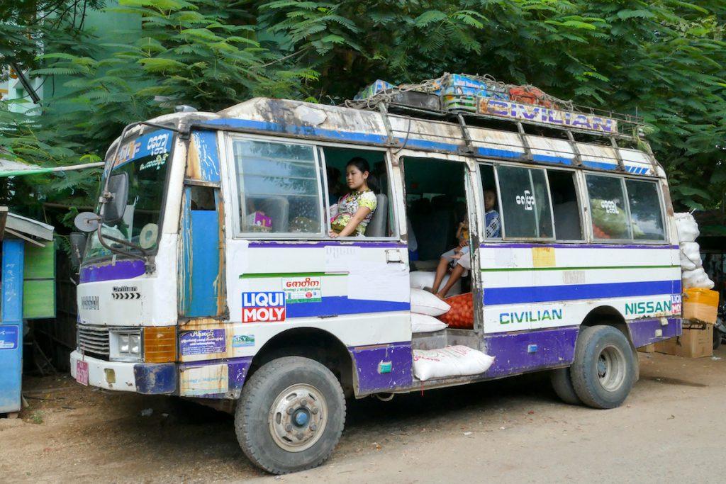 Myanmar, Pakokku, ein Bus des Grauens
