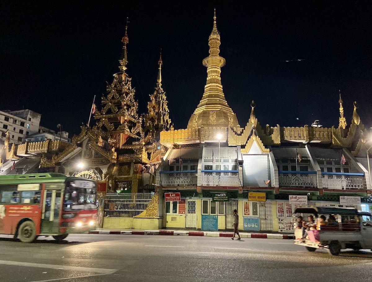 Myanmar, Yangon, Sule Pagoda
