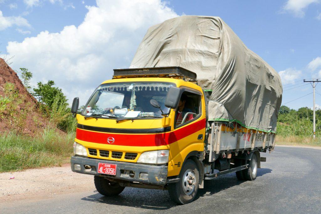 Myanmar, auf dem Oriental Highway 03