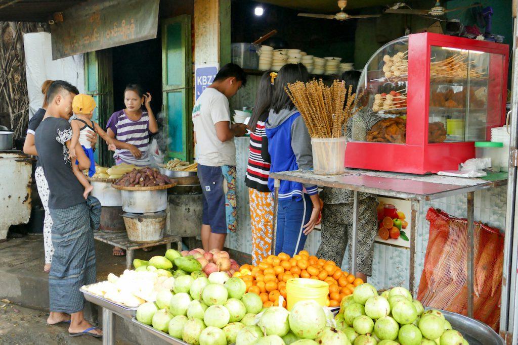 Myeik, zu essen gibt es an jeder Ecke