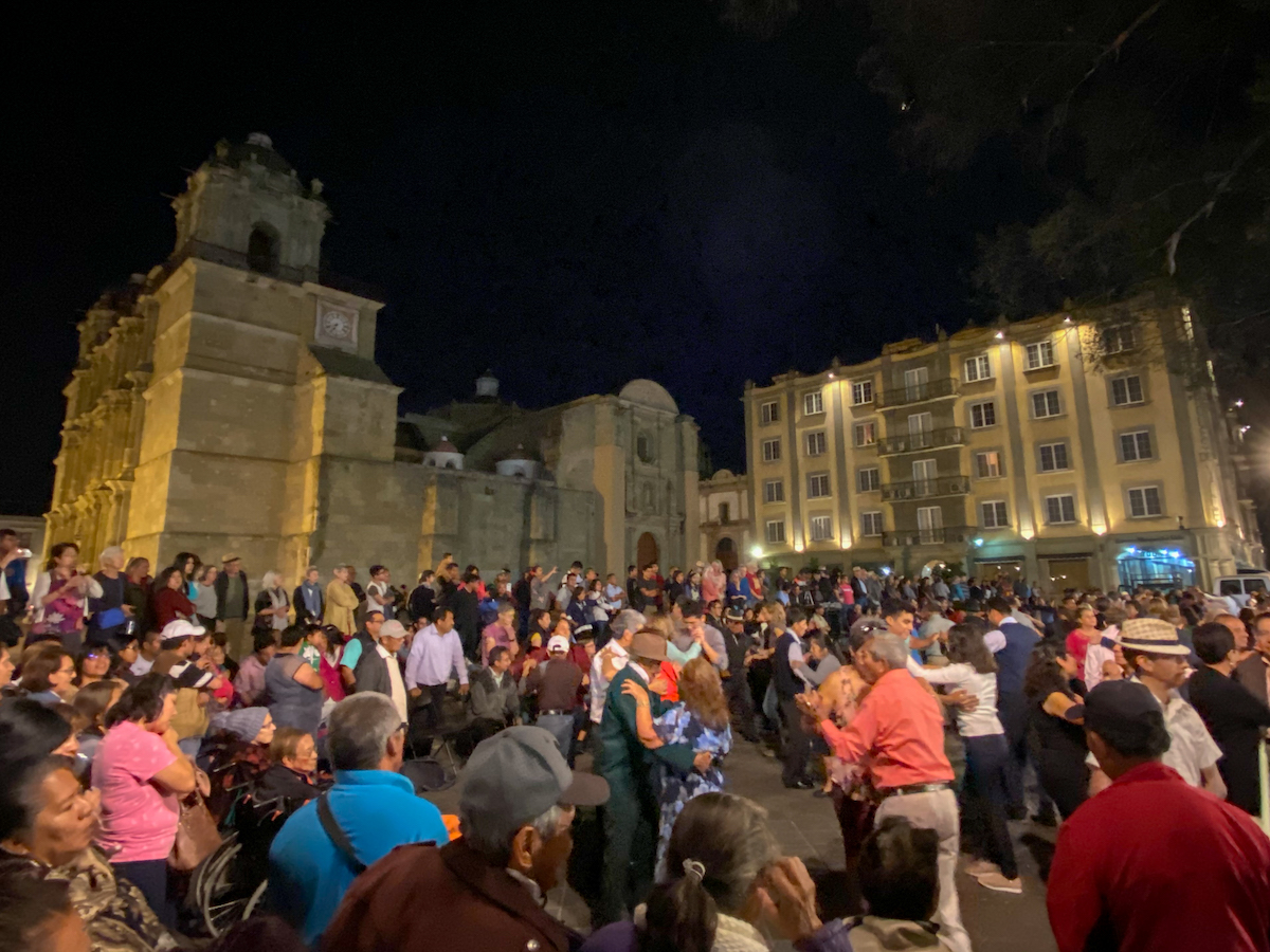 Oaxaca, Tanz auf dem Zocalo