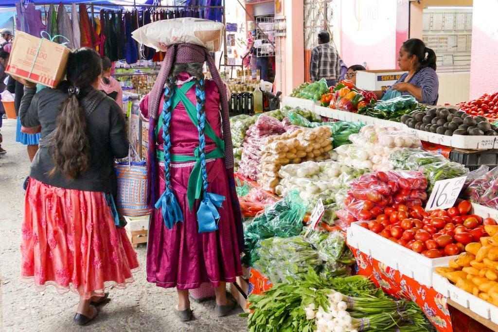 Oaxaca, Tlacolula, farbenfrohes Marktgeschehen