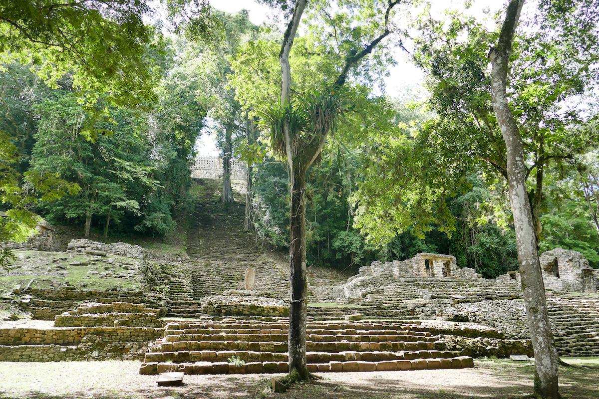 Palenque, Yaxchilan, Gran Plaza mit dem Edificio 33