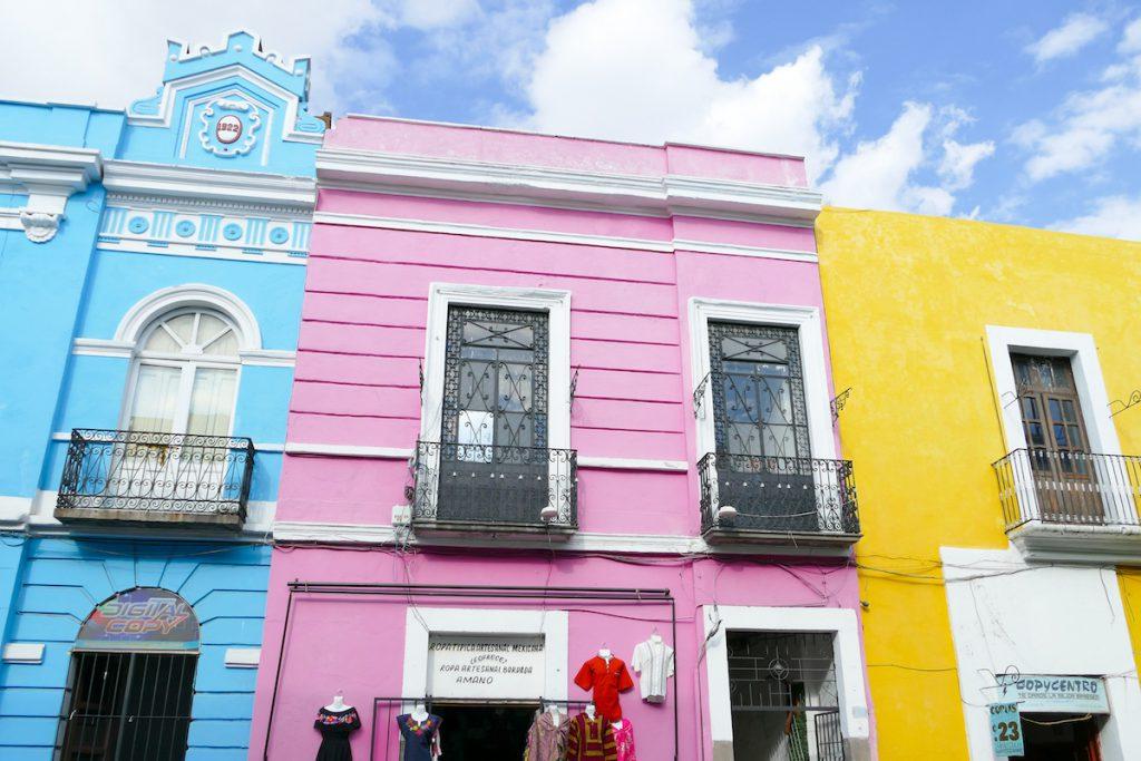 Puebla, bonbonbunte Hausfassaden