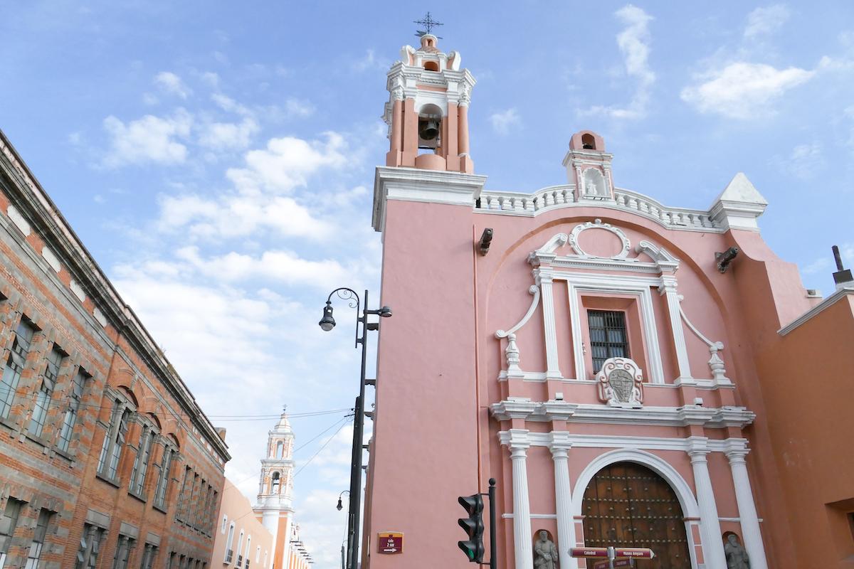 Puebla, eine von den vielen Kirchen