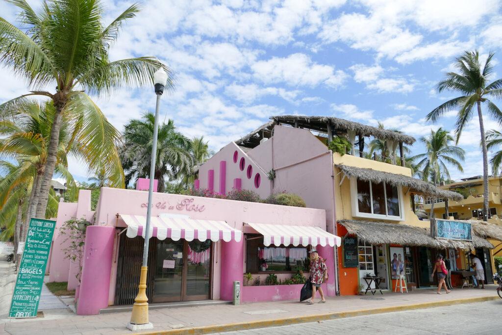 Puerto Escondido, Avenida del Morro