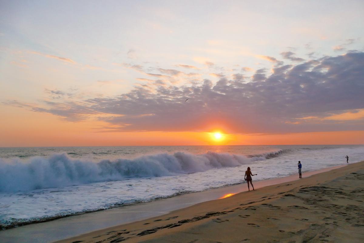Puerto Escondido, Vive Mar, Schildkroetenbabys und Sonnenuntergang