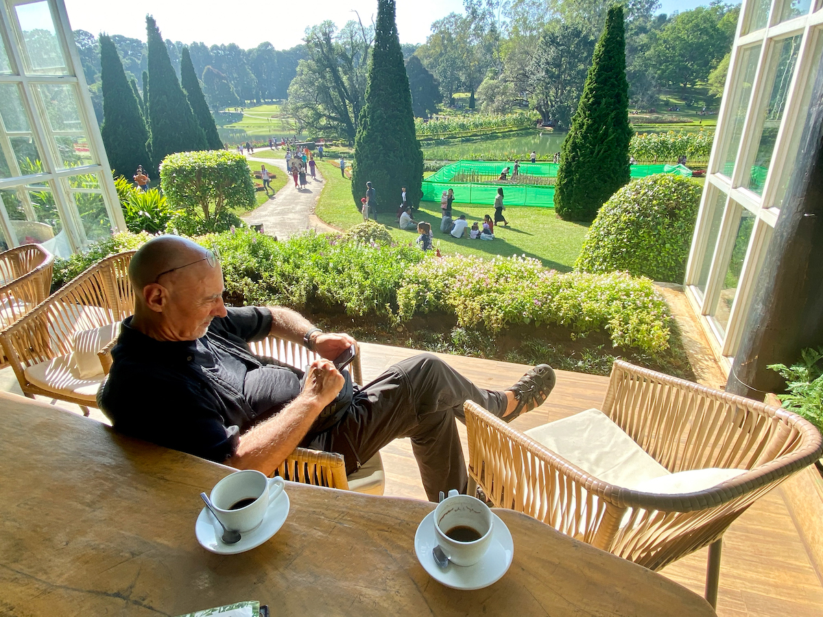 Pyin Oo Lwin, National Kandawgyi Botanical Gardens, Coffee with a view
