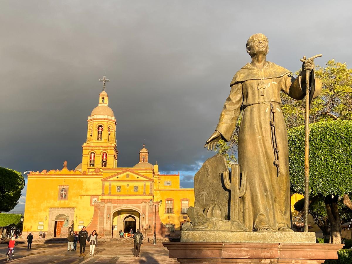 Queretaro, Templo y Convento de Santa Cruz