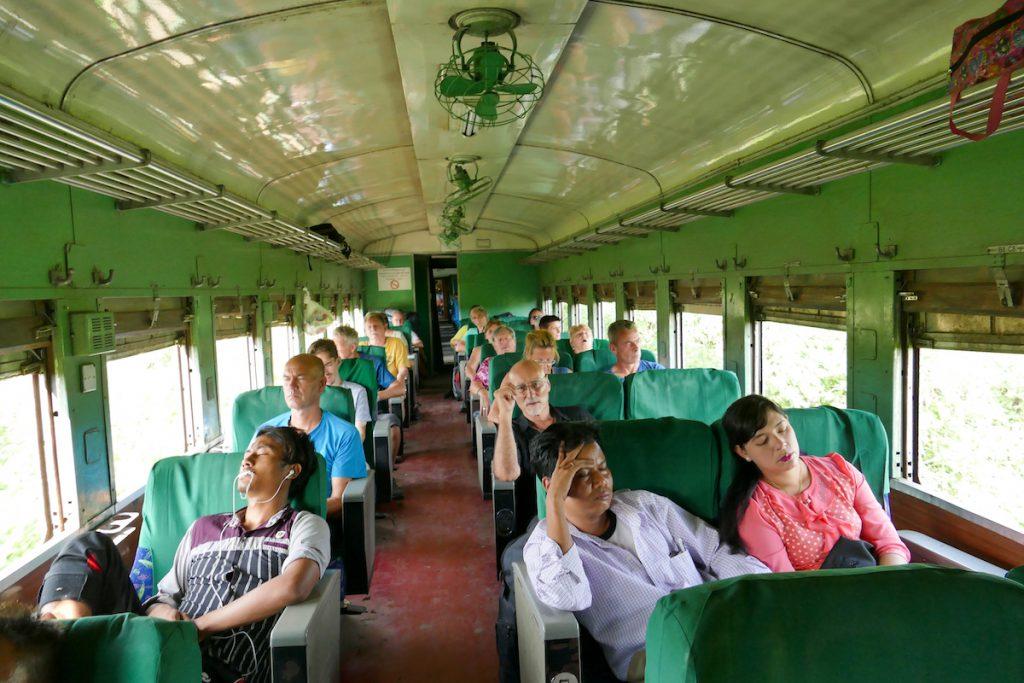 Shan State, Gokteik Viadukt, Langeweile in der Touristenklasse