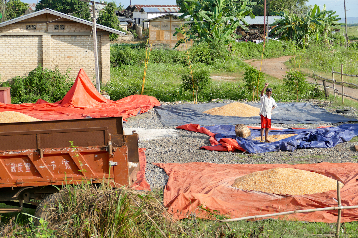 Shan State, Gokteik Viadukt, unterwegs wird uns immer wieder zugewunken