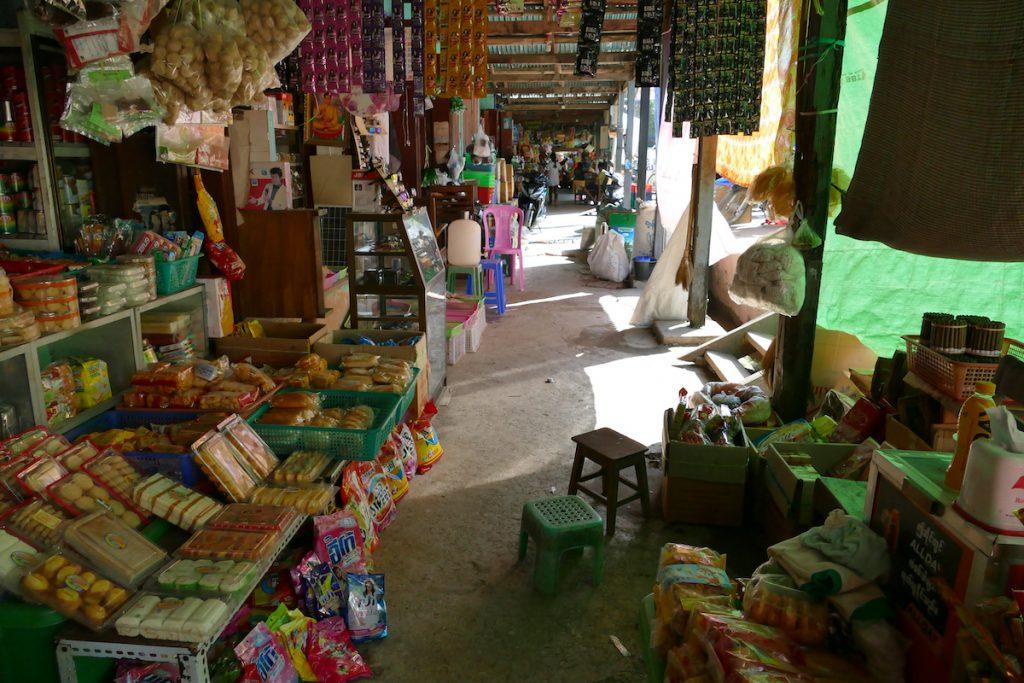 Shan State, Hsipaw, auf dem Markt
