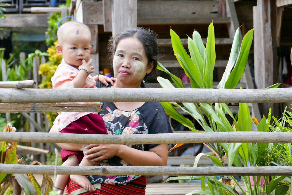 Shan State, Hsipaw, immer ein Laecheln fuer uns