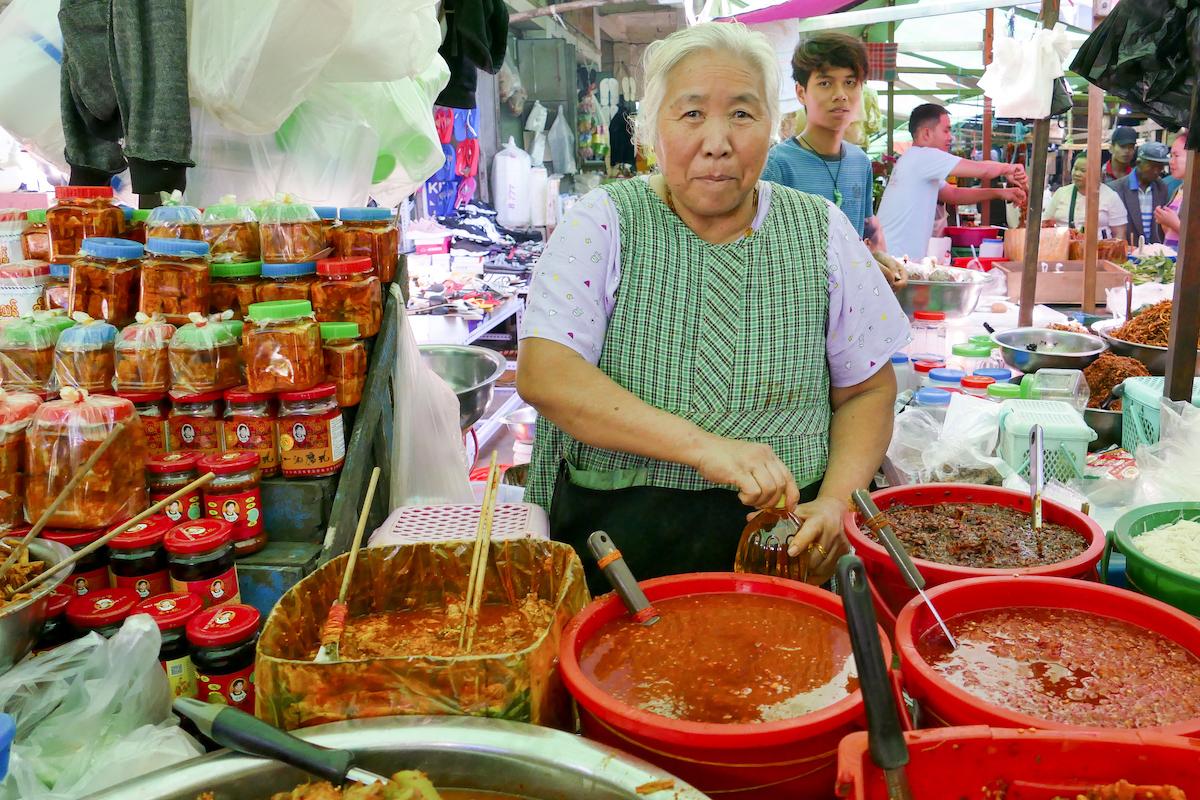 Shan State, Lashio, die Chilipaste ist bestimmt sehr scharf