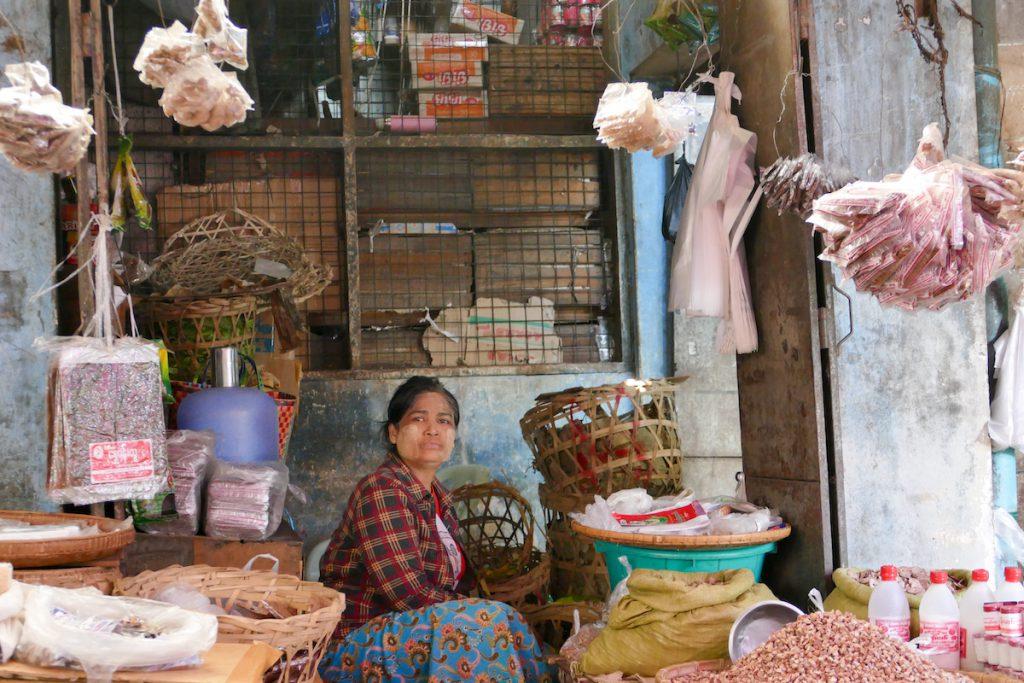 Shan State, Lashio, exotisches Warenangebot
