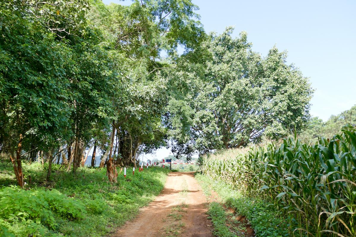 Shan State, Militaerposten, das Wandern ist hier nur auf speziellen Wegen moeglich