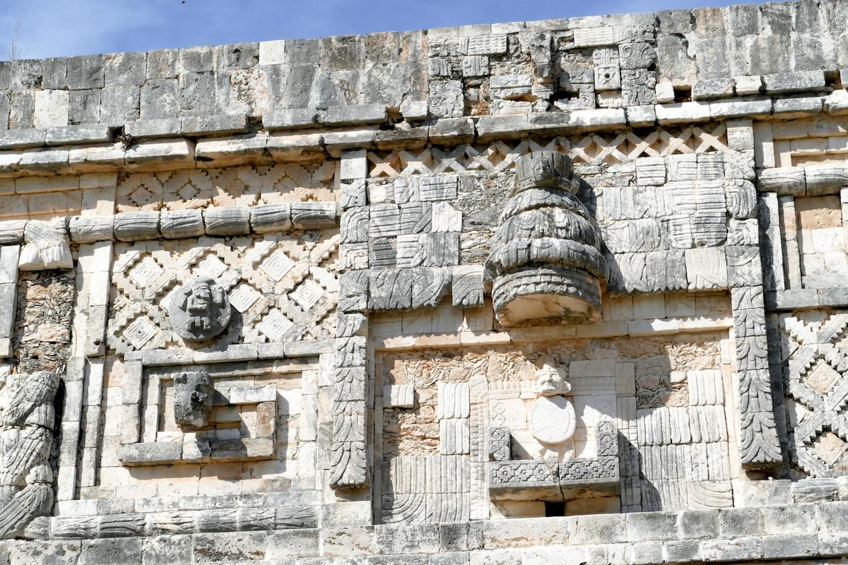 Uxmal, kunstvolle Mosaike